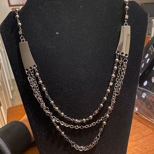Womens paparazzi set of necklaces and earrings